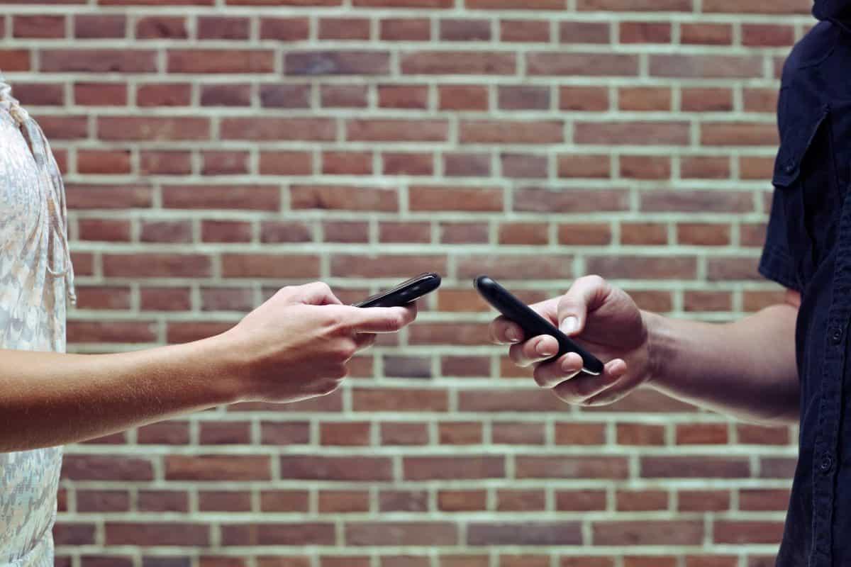 Przelewy natychmiastowe i mobile napędzają polski e-Commerce