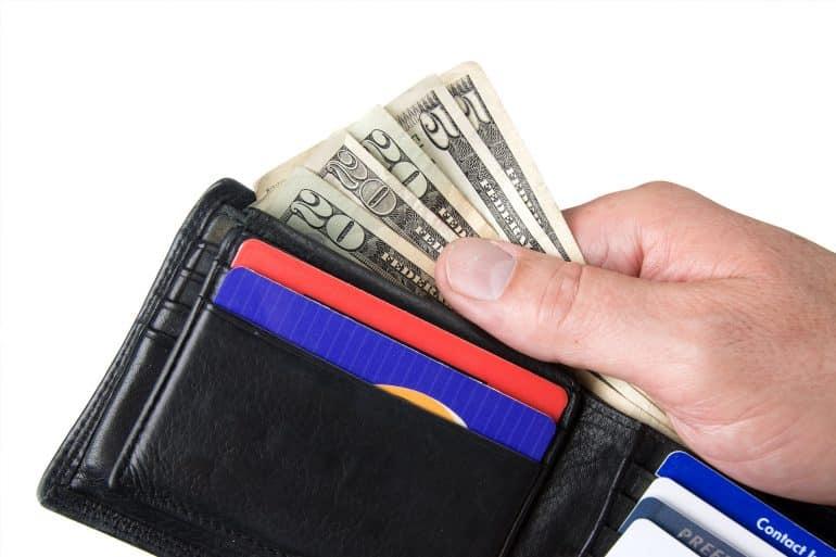 Gotówka a może karta? Jak najlepiej płacić za granicą?