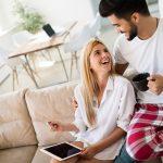 Jakie są motywacje klientów do kupowania w e-sklepach?
