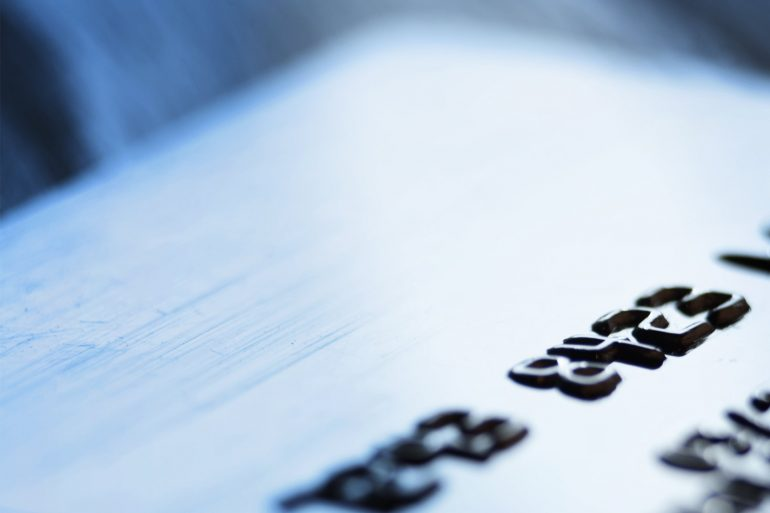 Wygodne płatności za granicą – nowa odsłona karty debetowej