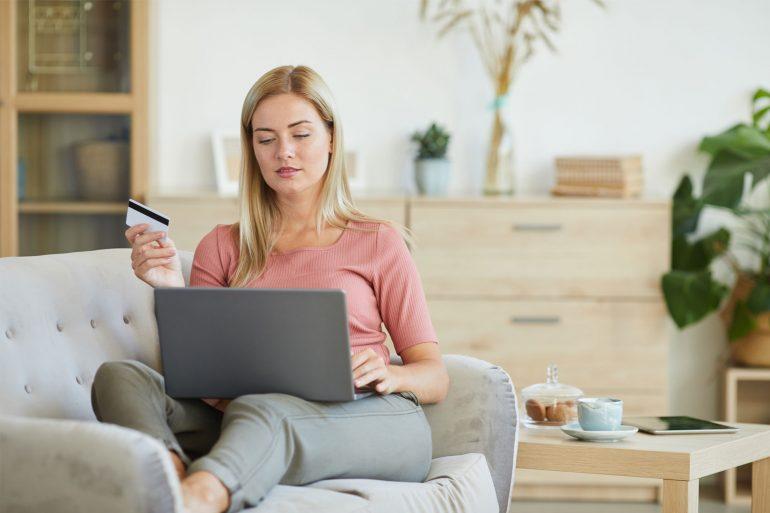 Co najchętniej kupują Polacy w sklepach online?